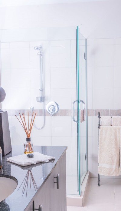 How To Clean Glass Shower With Vinegar